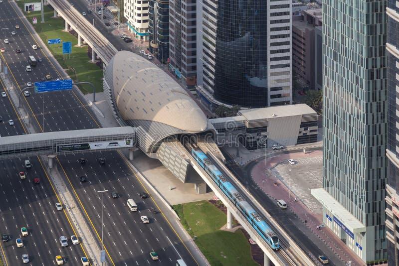金融中心地铁站乐团在迪拜,阿拉伯联合酋长国 免版税库存照片
