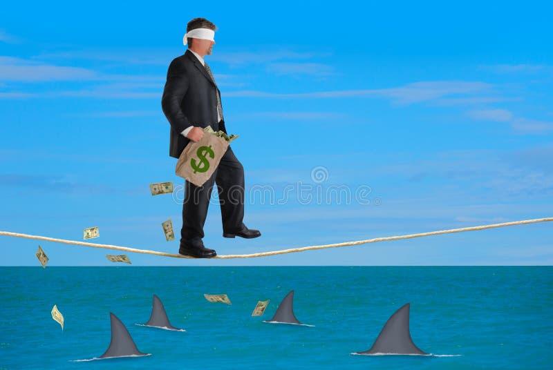 金融风险成功蒙住眼睛的绳索人 免版税库存照片