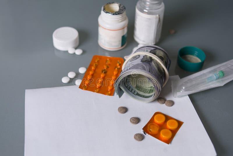 金钱和健康 免版税图库摄影