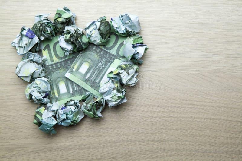 金钱心脏符号表背景没人 库存照片