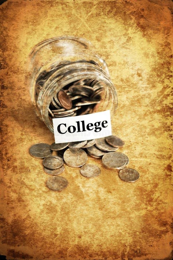 金钱瓶子为储款和投资Retirment IRA 401k学院下雨天 库存照片