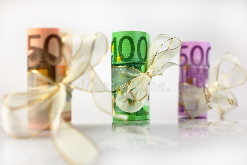 金钱礼物- 100欧元 免版税库存图片