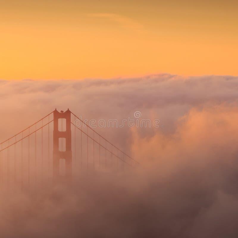 金门大桥和街市旧金山,美国 图库摄影