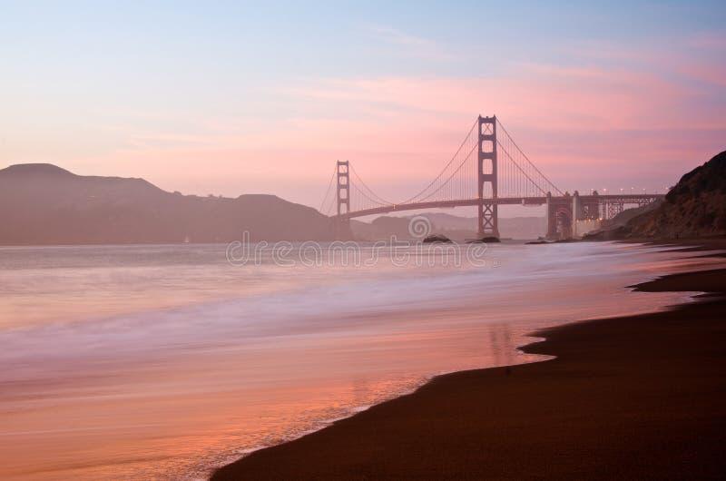 金门大桥,黄昏的旧金山 免版税图库摄影