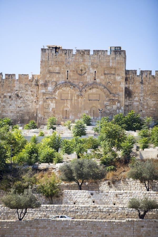 金门的异常的看法在反对蓝天的耶路撒冷 库存图片
