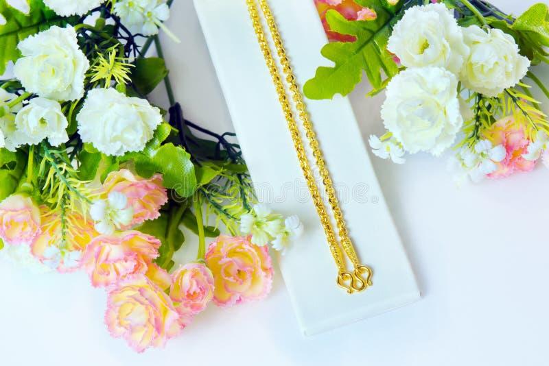 金项链96 5%与金勾子和ro的泰国金等级 免版税图库摄影