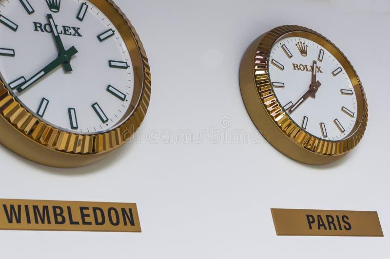 金黄劳力士时钟在Wimbledon 库存照片