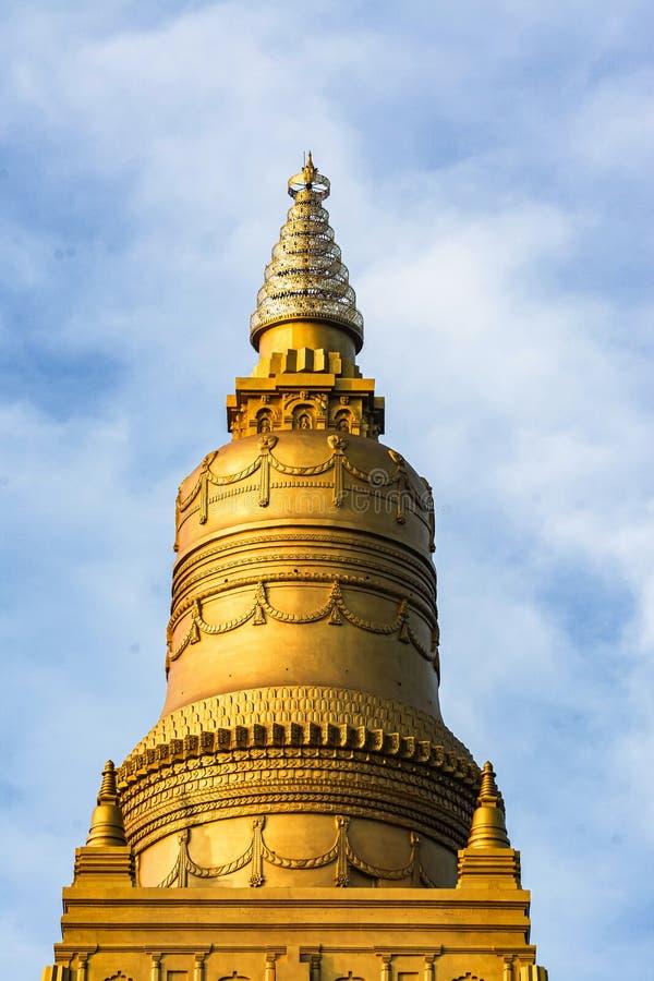 金黄塔金黄stupa寺庙,泰国 库存图片