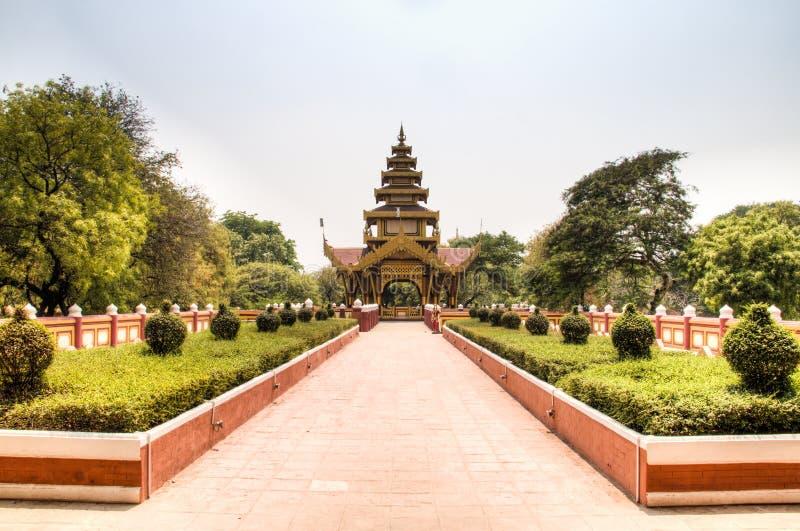 金黄寺庙在蒲甘,缅甸 免版税库存照片