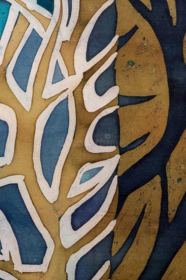 金黄树枝,绿松石,热的蜡染布,背景纹理,手工制造在丝绸 向量例证
