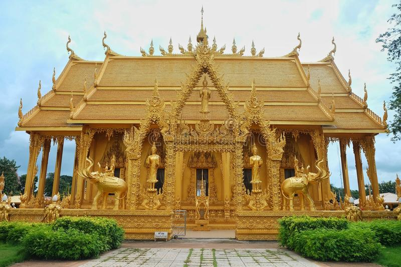 金黄泰国寺庙 库存图片