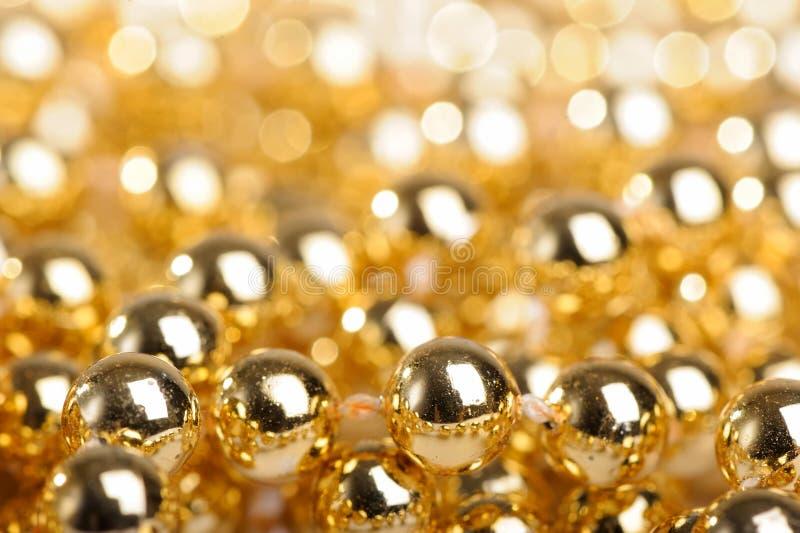 Download 金黄的球许多 库存照片. 图片 包括有 水平, 来回, 金黄, 抽象, 现代, 没人, 当事人, 精采, 圣诞节 - 22356472