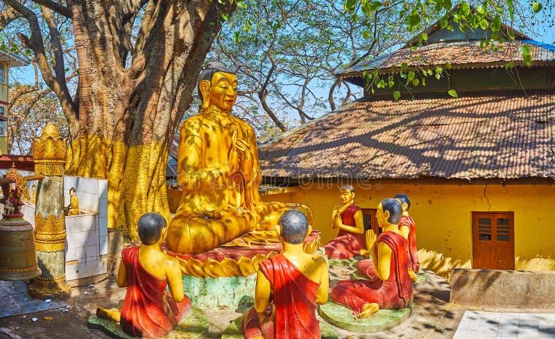 金黄菩萨图象,波帕岛,缅甸 免版税库存照片