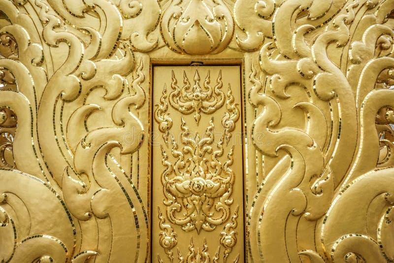 金黄门在Wat荣Khun,清莱省,泰国 库存图片