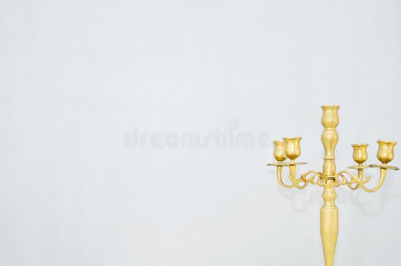 金黄黄色蜡烛台 免版税库存照片