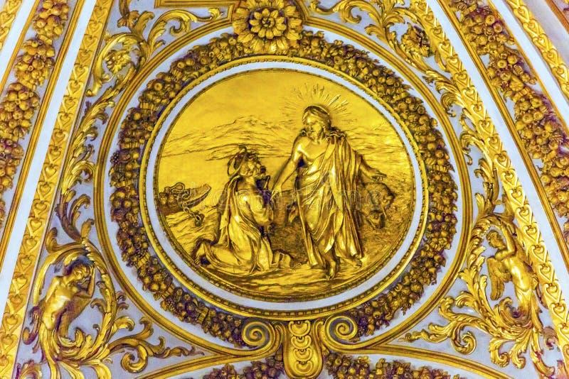 金黄基督彼得圣伯多禄` s大教堂梵蒂冈罗马意大利 免版税库存照片