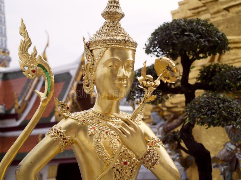 金黄Kinnaree雕象 图库摄影
