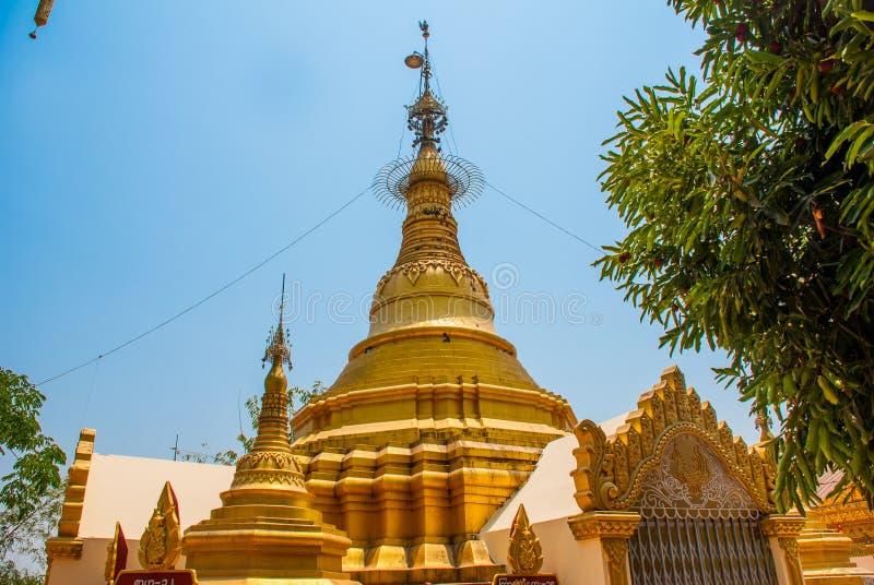 Download 金黄stupa 在Bago曲折前进塔, Pegu镇  缅甸 缅甸 库存图片 - 图片 包括有 宗教信仰, 东方: 72362751