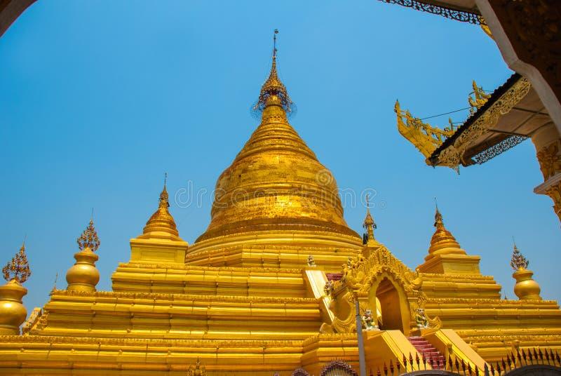 Download 金黄stupa Kuthodaw塔在曼德勒,缅甸 缅甸 库存照片 - 图片 包括有 聚会所, 推荐: 72364992