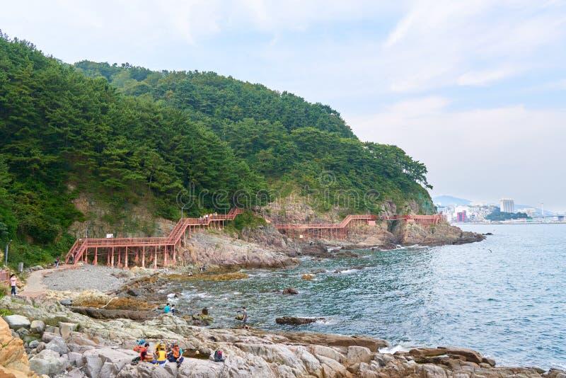 Download 釜山,韩国- 2015年9月20日:Songdo海岸博列gil 编辑类图片 - 图片 包括有 韩国, 旅行: 62530325