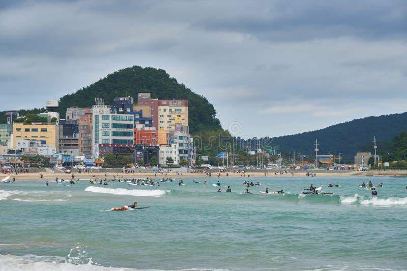 Download 釜山,韩国- 2015年9月19日:Songjeong海滩 图库摄影片 - 图片 包括有 海运, 夏天: 62530307