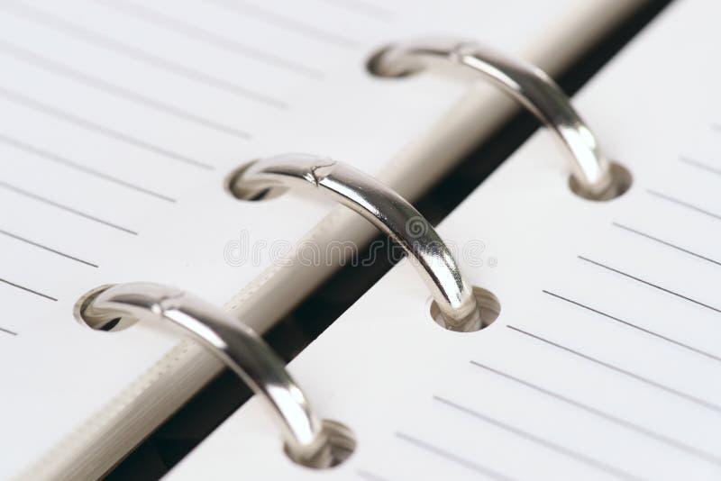 钉书匠重点文件夹宏观浅射击 免版税库存照片