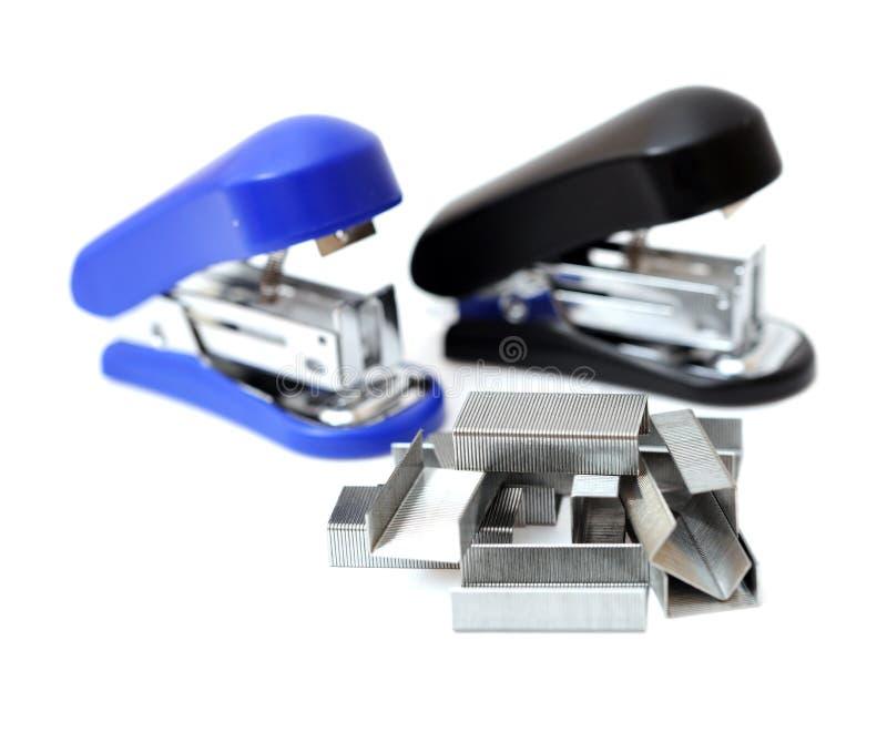 钉书针和订书机 免版税库存照片