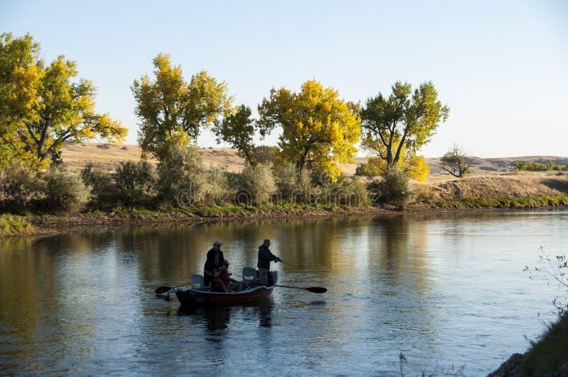 钓鱼在北普拉特河怀俄明的鳟鱼德比 免版税图库摄影