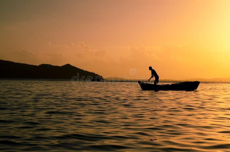 钓鱼在普腊亚Tartaruga 库存照片