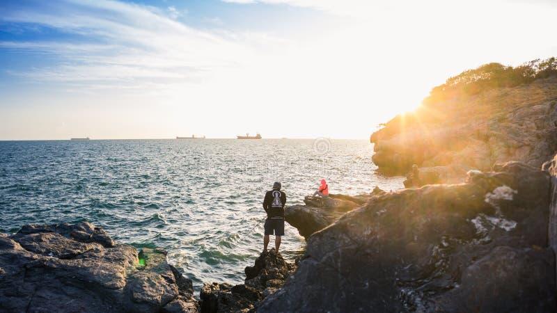 钓鱼海上,酸值Sichang,泰国的人们 免版税库存照片