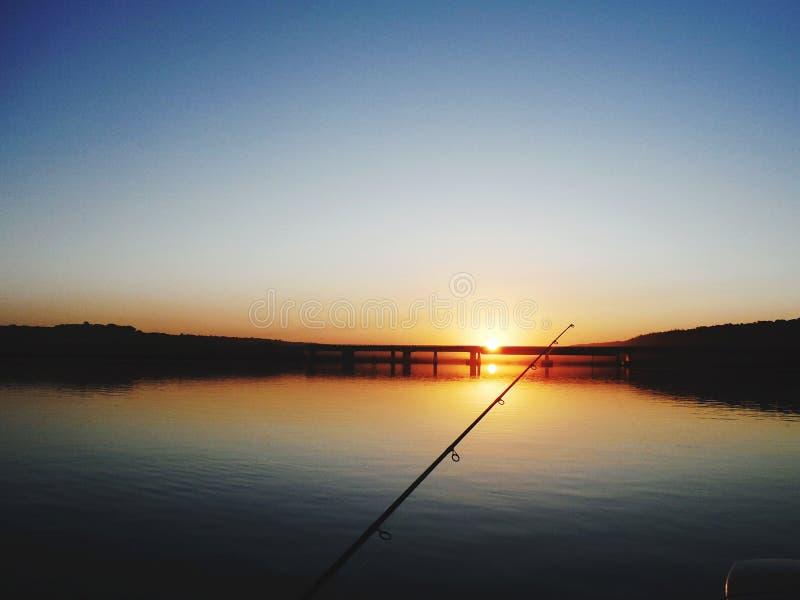 钓鱼由湖 库存照片