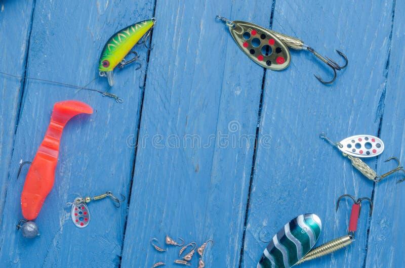 钓鱼诱剂在圈子形状被安排 题字的空间 Copyspace 图库摄影