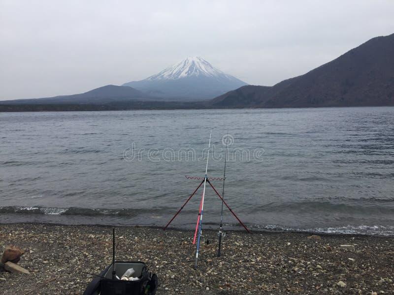 钓鱼鳟鱼的在日本 库存照片