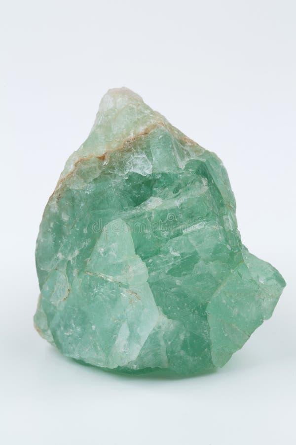 钙氟化物荧石绿色矿物 在白色背景的矿物自然石头 库存照片