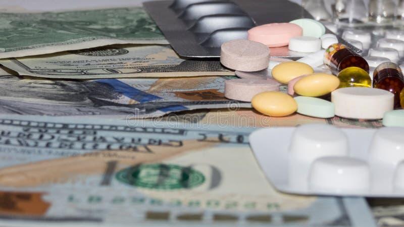 钞票和药物 图库摄影