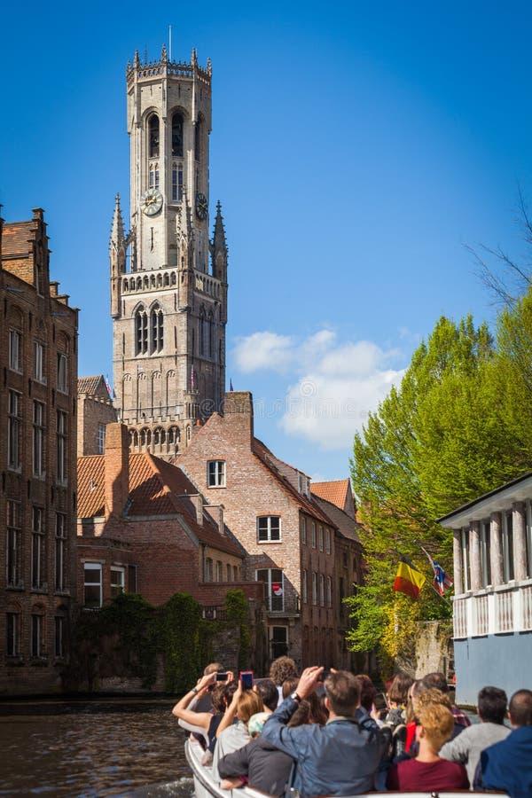 钟楼塔和Rozenhoedkaai,布鲁日 免版税库存图片