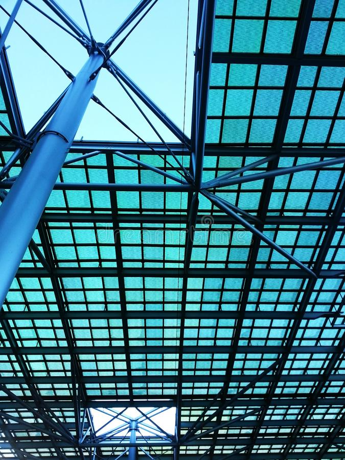 钢天花板结构,建筑学设计 库存照片