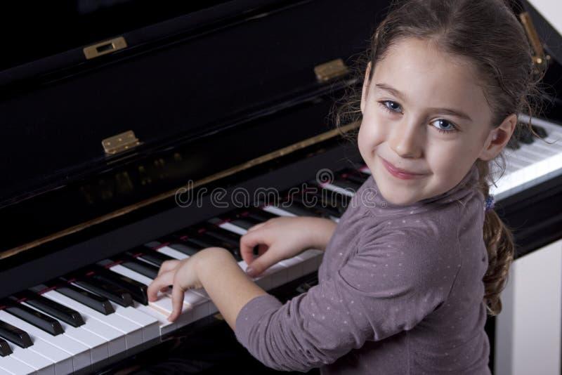 钢琴演奏者 免版税库存图片