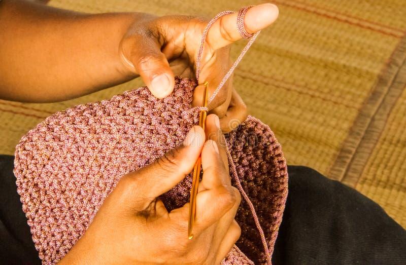 钩编编织物的袋子做 免版税库存照片