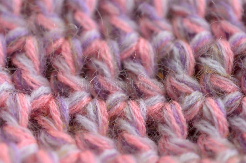钩针编织或被编织的纹理紧密,织品背景 免版税库存图片