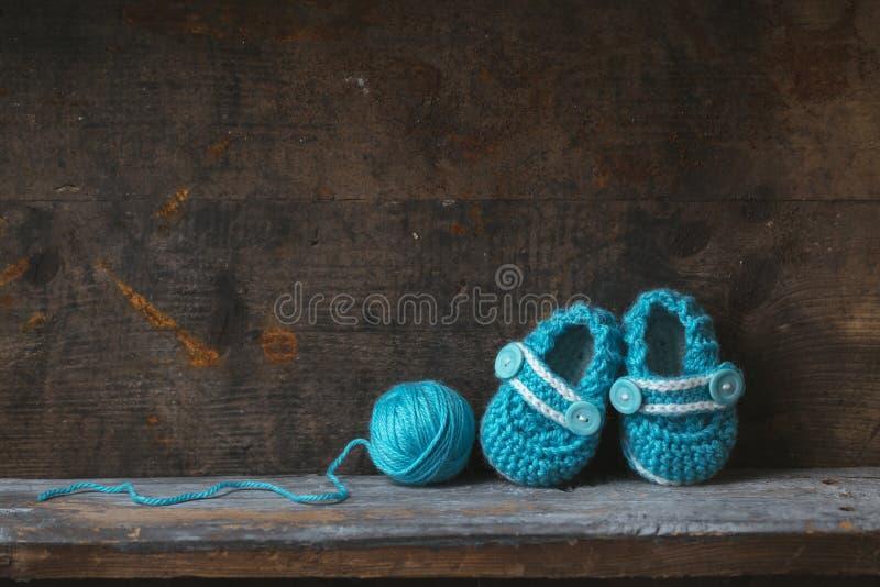 钩针编织婴孩赃物 免版税库存图片