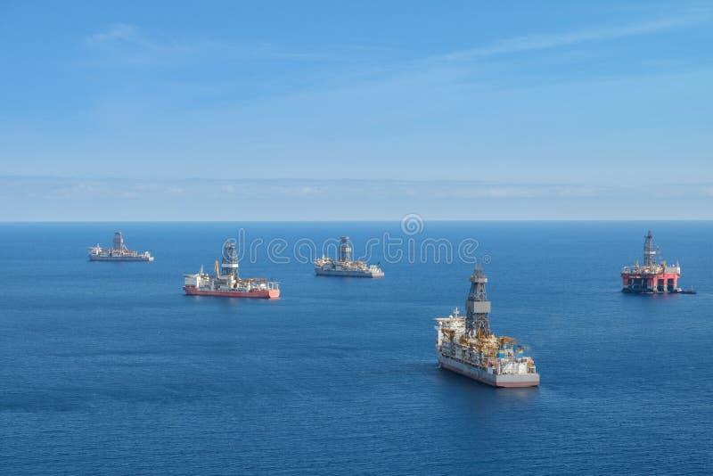 钻platfom,近海钻井船,海洋天线 库存图片