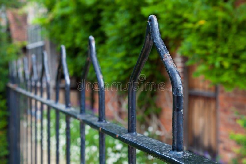 锻铁栏杆。 库存照片