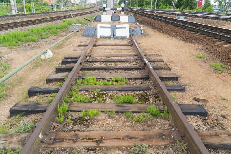 铁路僵局 铁路轨道的末端 免版税图库摄影