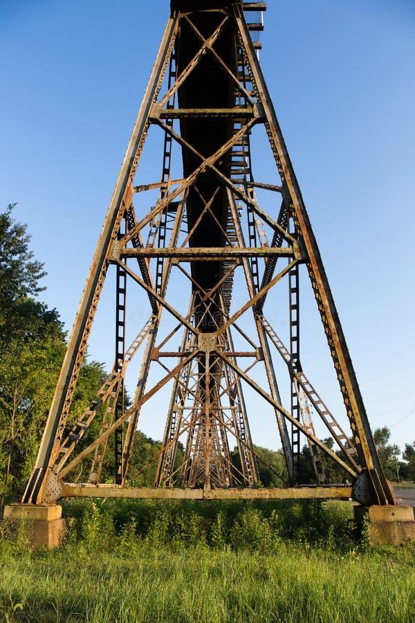 铁路桥梁支持 免版税库存照片