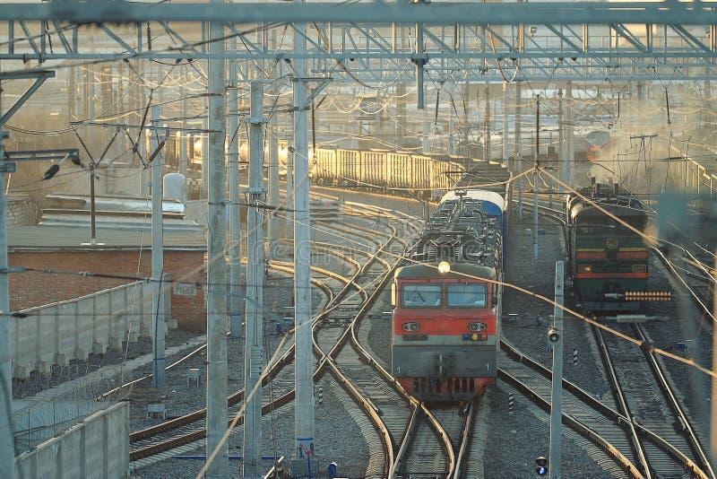 铁路用栏杆围道路火车站 库存图片