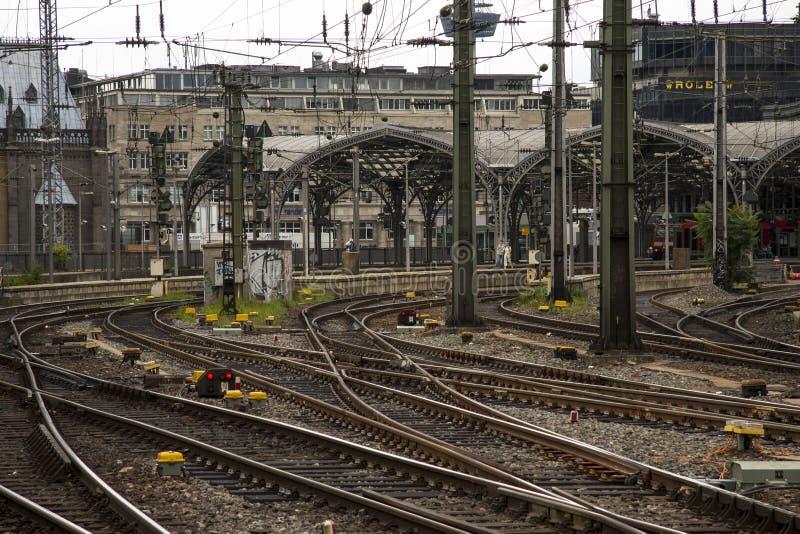 铁路联轨点驻地火车站科隆香水 免版税图库摄影