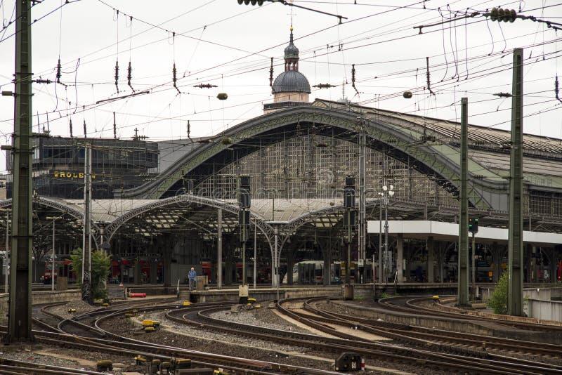 铁路联轨点驻地火车站科隆香水 库存照片