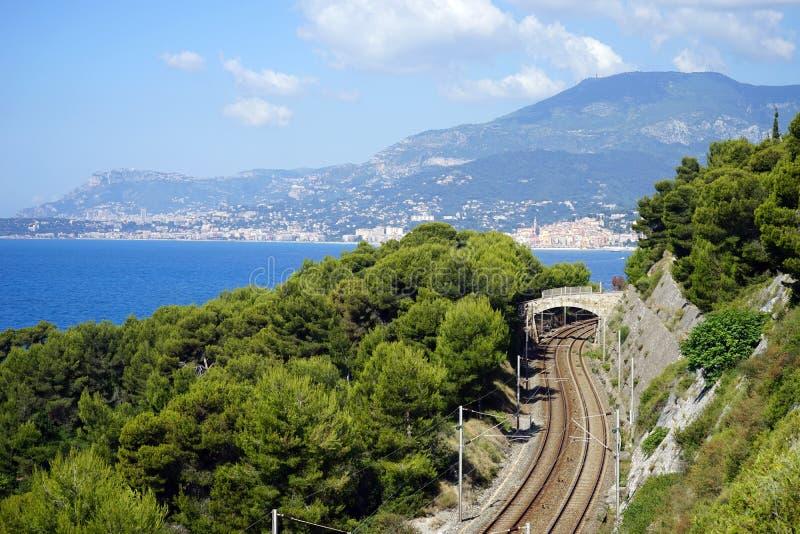 Download 铁路 库存照片. 图片 包括有 法国, 小珠靠岸的, 石头, 森林, 火箭筒, 地中海, 里维拉, 意大利 - 59112846