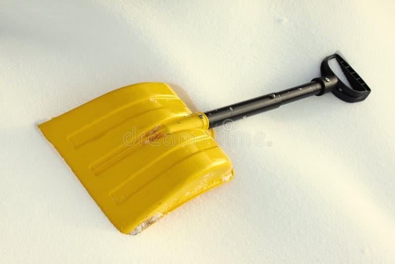 铁锹雪黄色 免版税库存图片